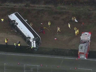 Tour_bus_crash.jpg